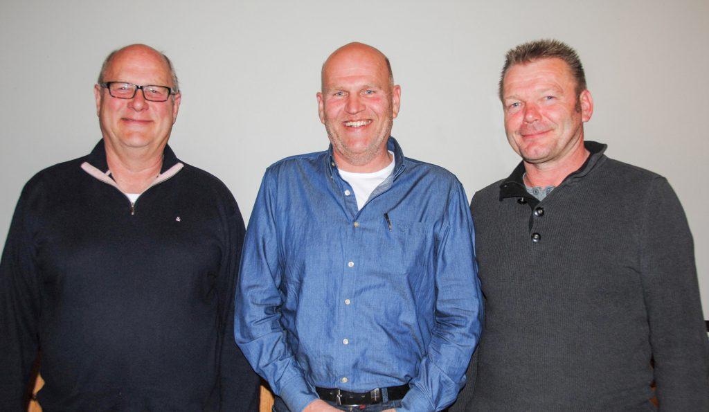 Kassenwart Michael Brauer (mitte) mit den beiden Kassenprüfern Ronald Schümann (links) und Rüdiger Winkel (rechts)